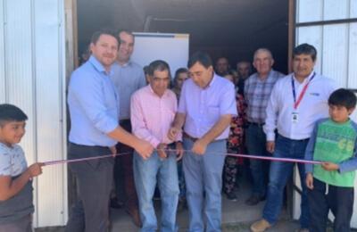Sede social de sector Capilla Norte se conecta a la red eléctrica.